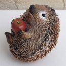 ハリネズミブレイキング:リンゴ寝ころび持ち