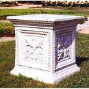 イタリア製石像台座:コルフ(幅34cm、奥行34cm、高さ36cm)